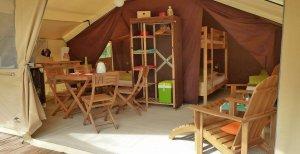 Tente Canadienne coin sejour et cuisine location